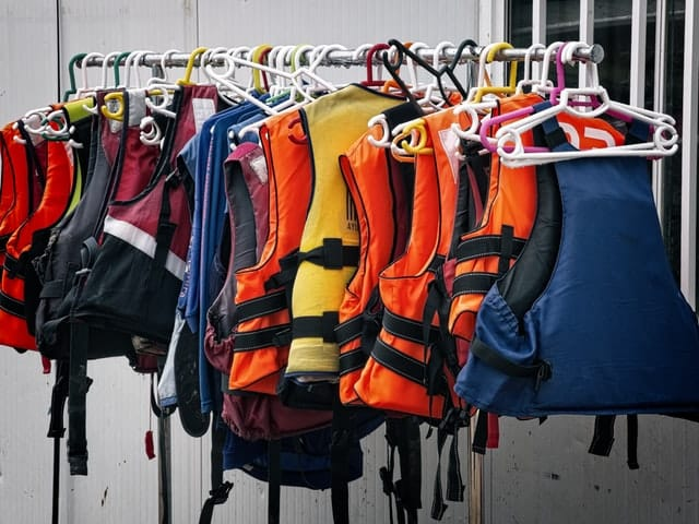 What to wear when kayaking