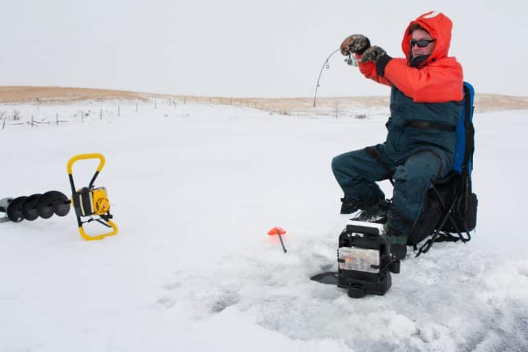 Best Ice Fishing Gloves For Winter Fishing & Cold Weather