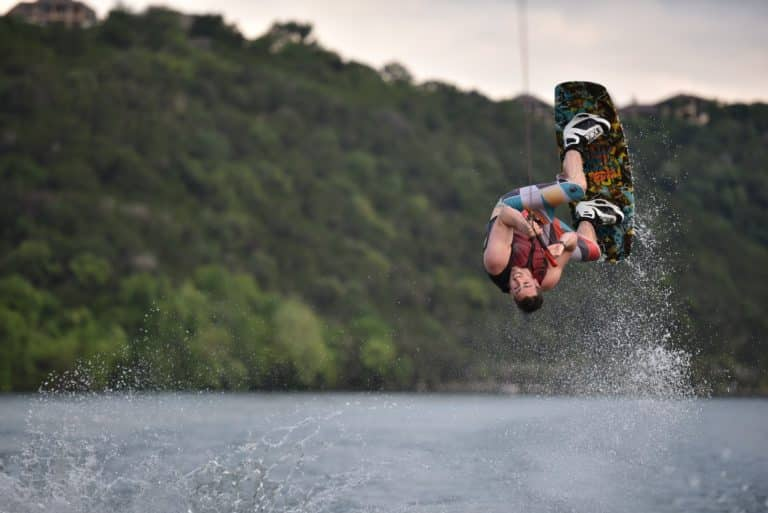 What is Wakeboarding? – Info and Equipment List