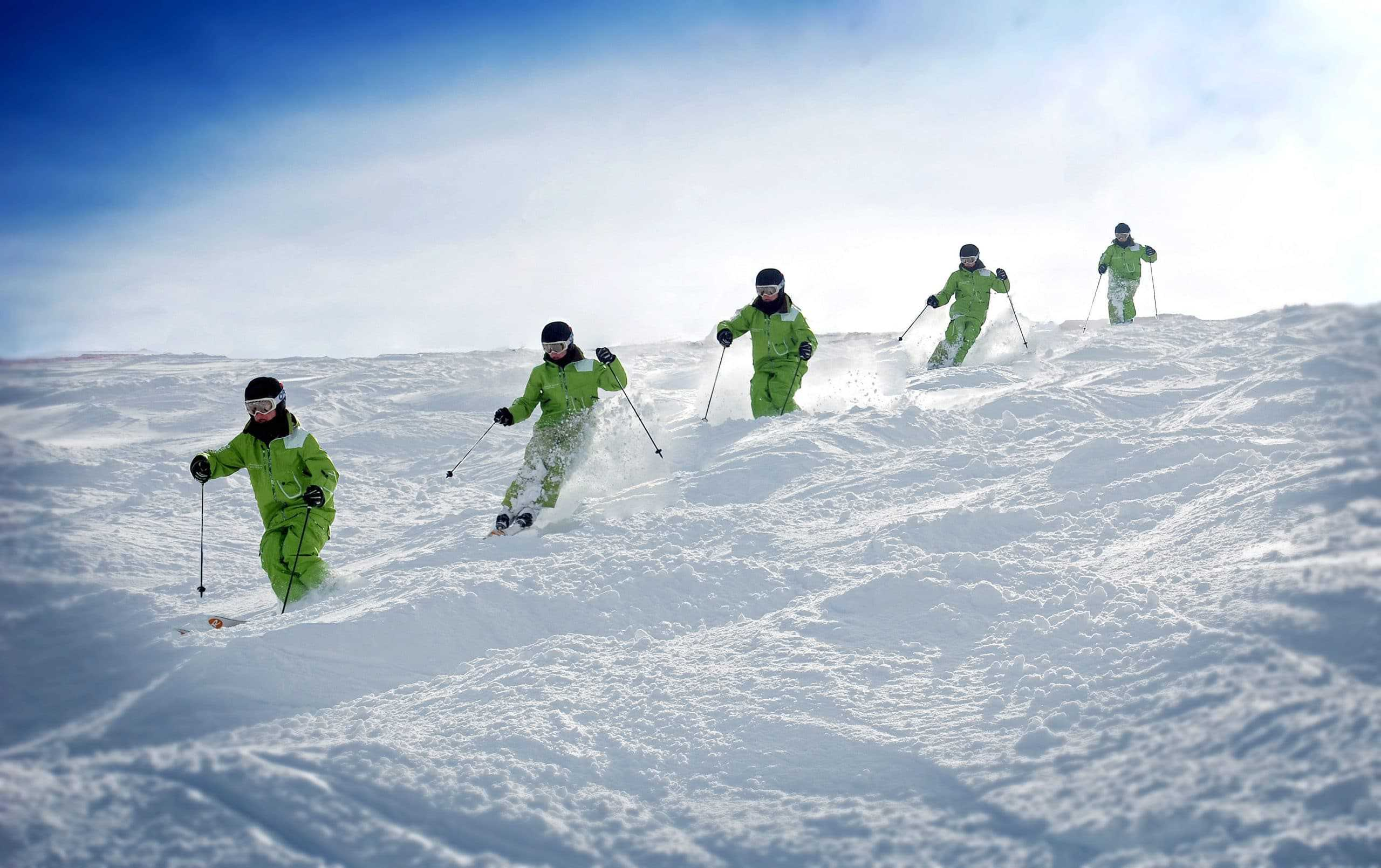 How to ski moguls