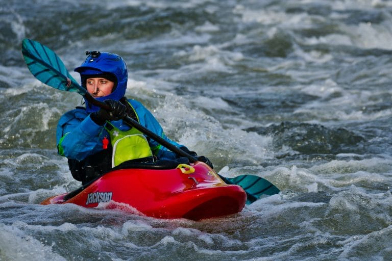 Best Kayaking Gloves in 2021 – Review & Buyers Guide
