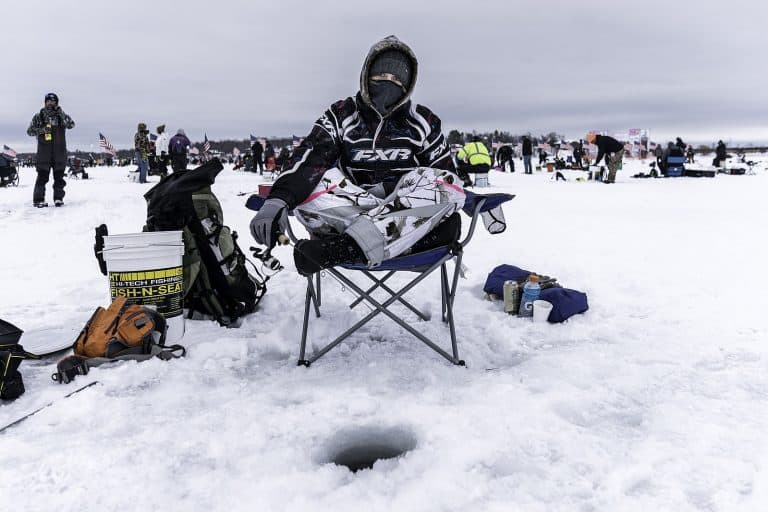10 Best Ice Fishing Chairs – Stay Comfy On The Ice