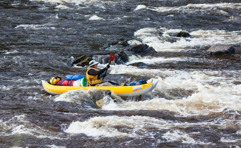 8 Best Inflatable Kayaks [Product Reviews & Guide]