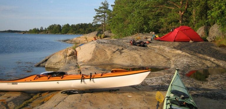 Best Kayak Tents For Overnight Trips [Guide & 6 Tent Reviews]